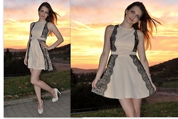 LOVERENCE Andrea Jelenská - Dress - SUNSHINE DRESS