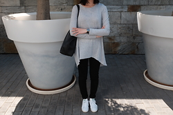 Sue Chung - Marc By Jacobs Watch, Adidas White Sneakers, Madewell Tote Bag, Nobody Denim Black Jeans - Long weekend