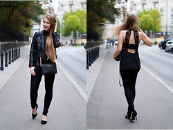 Aleksandra Marie Antoinette Najda -  - Total black look with a lace top