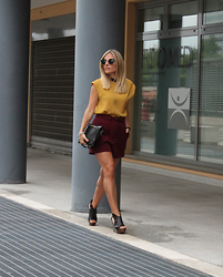 Eniwhere Fashion - Sweewe Paris Top, Zara Shorts, Lux Bag Pochette, Belotti Wedges, Choice Sunnies - Burgundy shorts...