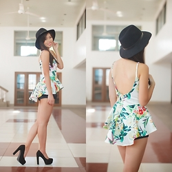 Jeanne Khe - Tomato Black Hat, Curtsy Tropical Peplum Top - Tropic Tales