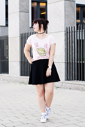 Lisa S - Pull & Bear Shirt, Pull & Bear Skirt - So...fa, so fine!