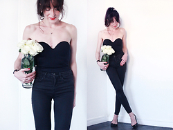 Lydia Marceau - Wolford Body, Topshop Jeans, Zara Flats - G r e a s e