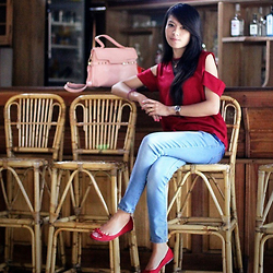 Tika Hutagalung - Hardware, Ada, Bata, Pink Bag - Red
