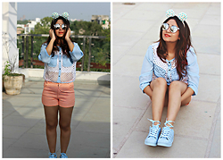 Surbhi Suri - Stalk Buy Love Cut Out Blouse, Printed Shorts, Adidas Sneakers, Amiclubwear Reflectors - Sporty Quirky Chic