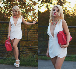 Vlada Kozachyshche - Playsuit, Cropp Town Necklace, Mango Bag, Sandals - White Playsuit