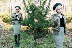 Catarina S. - H&M Beret, Noisy May Bomber Jacket, New Yorker Pencil Skirt, Lindex Velvet T Shirt, H&M Tights, Secondhand Wedges, H&M Earrings - ► The Rhythm - MNEK