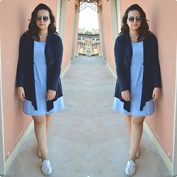 Zaira D'urso - Blue Denim Vintage, Hm Blue, Superga Withe, Ray Ban Bicolor, Collistar Red Lips - Double Life