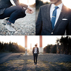 Chris Nicholas - Marine Blue Knit Tie, Gold Tie Bar, H&M Window Pane Suit Jacket, Cole Haan Boots, Stance Floral Socks, Indochino Shirt - 166
