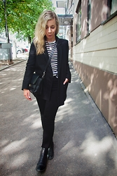 Maria Morri - &Other Stories Boyfriend Blazer, Acne Studios Skin 5 Jeans, Marimekko Stripy Shirt, Proenza Schouler Shoulder Bag, Vagabond Leather Shoes - Autumn Sounds
