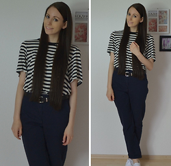 Jimena Palermo - H&M T Shirt, H&M Belt, H&M Chino Pants - Navy Look