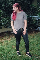 Skye V - Brandy Melville Usa Striped Tee, Versace Leather Pants, Superga Sneakers - Versus