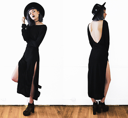 Gigi M. - Newdress Black Maxi Dress - Séance
