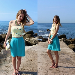Enikő S. - Miss Sixty Strapless Top, King Street Fashionista A Lined Skirt, Hallhuber Sandals, Guess Clutch - Lost at sea