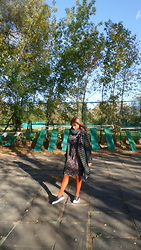 Alice Titova - Pieces Multicolor Scarf, Modis Dress With Flower Pattern From The 20s, Accessorize Orange Tights, Converse Navy Converses By Jack Purcell, Retro Coat - Love this autumn