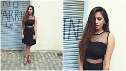 Pooja Mittal - Lbd - Because you can never go wrong with LBD