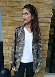 Julia - Topshop Jacket, Primark T Shirt - MILITARY