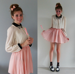Laurielle Haze - Cndirect Pleated Skirt, Choies Flowered Collar Blouse, Emmaüs Vintage Tap Dancing Shoes - Hard Candy