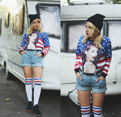 Vlada Kozachyshche - Shorts, Sweetshirt, Hat, Knee Socks, Nike Sneakers - American Apparel