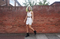 Sophie Hannah Richardson - Missguided Skirt, Missguided Top, Linzi Shoes Boots, Prettylittlething Belt - LACE IT UP