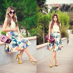 Cosmina M. //mbcos.net - Sunglasses, Skirt, Sandals - I can wear them sandals