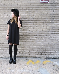 Joie Lee - H&M T Shirt Dress, Vagabond Boots - No Parking