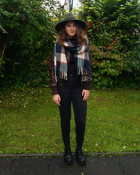 Deniz K - H&M Fedora Hat, Forever 21 Scarf, New Yorker Black Shirt, New Yorker Black Pants, Second Hand Bordeaux Leather Jacket, Tk Maxx Black Plateau Shoes - The scientist