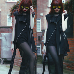 Lady Juliet - Nine Lives Vest Dress, H&M Mesh Dress, Bershka Shorts, Topshop Sunglasses - Blackout