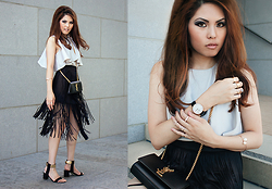 Careese Quon - Saint Laurent Evening Bag, Nic + Zoe Fringe Skirt, Gold Ankle Strap Heels - The Fringe Skirt