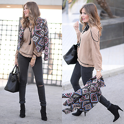 Helena Cueva - Fashion Pills Jacket, The Desire Shop Blouse, Zara Jeans, Zara Booties - Axelia