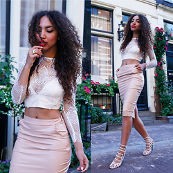 Larissa B. - Missguided, Missguided Lace Crop Top, Missguided Ankle Boots Open Lace Up Nude - Perfect nudes