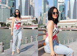 Elisa Cesarini - Forever 21 Swimsuit, Chanel Shoes, H&M Jeans - Casual chic