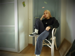 Kara Geraerts - Mad Curls T, Thrifted Suede Jacket, Nike Ribbed Socks, Vans Old Skool - Alien on board