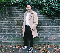 Boris Mcdonaty - Zero King Sheepskin Vintage Jacket, Allsaints Tallis Black Trousers, Vans Sk8 Hi - The Wolves