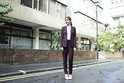 Hannah Louise - Reiss Berry Suit Jacket, Reiss High Neck Top, Reiss Berry Suit Trouseres - Berry Suit