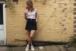 Elly Sutherland - New Look Striped Ringer Tee, Zara Button Up Skirt, Adidas Stan Smith Shoes - I HOPE YOU MAKE IT TO THE DAY YOU'RE 28 YEARS OLD
