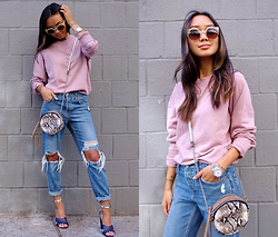 Linh Niller - Reiss Rose Jumper, Topshop Boyfriend Distressed Jeans, Schutz Navy Color Block Heels, Violet Ray Canteen Bag - PINK