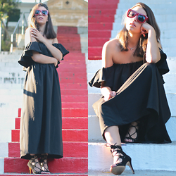 Natalia M - Zerouv Red Sunnies, Choies Black Off Shoulders Dress, Krack Collection Sandalias Lace Up - FRIDAY IN BLACK