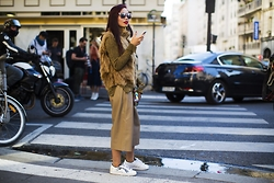 Thythu NGUYEN - Vintage Fur Gilet, Top Shop Faux Leather Culotte, Adidas Star War Superstar - Paris Fashion Week Diaries by outfits Day 2