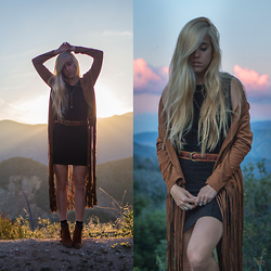 Jordan Rose - Raga Penny Lane Kimono, Divergence Clothing Fringe Ankle Booties, Kat Made Jewelry Layering Necklace - // ain't no mountain high enough //