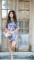 Quynh Tran - Yumi Floral Shift Dress, Chloe Mini Marcie, Steve Madden Werk It Sandals - Florals