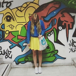 Lila Garcia' - H&M Skirt - Graffity