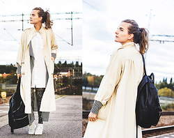 Ingrid Wenell - Frontrowshop Coat, H&M Shirt, Nike Tights, Cheaploader Sneakers, Monki Backpack, Asos Cardigan - Going to work