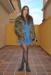 Carmen Méndez - Zara Dress, Primark Coat, Zara Ankle Boots - Cheetah