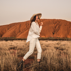 Elle-May Leckenby - Full White Linen Top & Jeans - G'day from Uluru