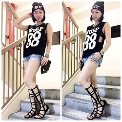 "Fenny Yolanda - Gladiator, H&M Handbag, Stradivarius Hot Pant, Top, Bennie Boy, Fossil Watch - ""Boy, I am a WOLF 88"""