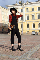 Paz Halabi Rodriguez - Gina Tricot Tile Color Sweater, Zara Black Jumpsuit, Vintage Bag, Zara Boots - BLACK JUMPSUIT