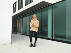 Miriam Mache - Zara Sweater, Missguided Pants - Turtleneck
