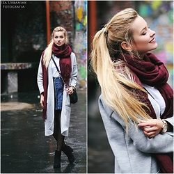 Juliette Jakubowska -  - Jeans skirt & grey sweater