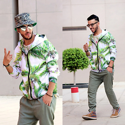 Faissal Yartaa - Mr. Gugu & Miss Go Palm Hoodie - PALM